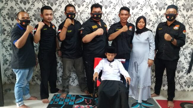 Dihadiri Pimpinan dan Staf Redaksi, Kabiro Pekalongan Gelar Acara Khitanan Anaknya 113