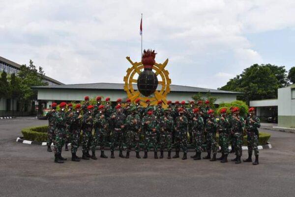Perdalam Alutsista TNI AD, Siswa Dikspes Sarpal   Pusdikpassus PKL di Bengpuspal Puspalad 113