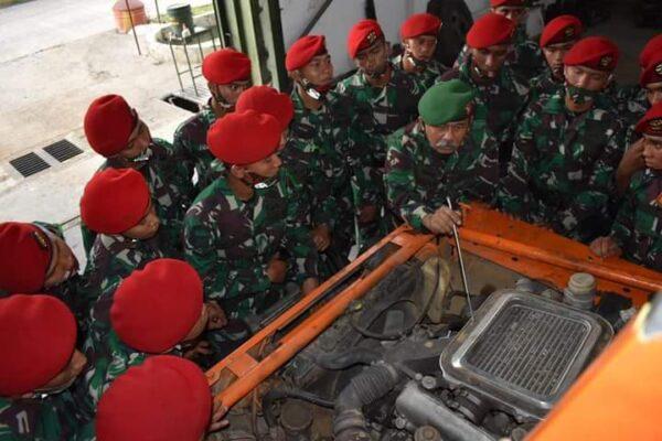 Perdalam Alutsista TNI AD, Siswa Dikspes Sarpal   Pusdikpassus PKL di Bengpuspal Puspalad 114