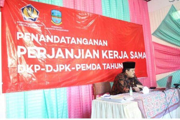 Pemkab Pangandaran Lakukan Penandatanganan Perjanjian Kerjasama dengan DJP dan DJPK Secara Virtual 113