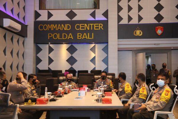 Irwasum Polri Kunjungi Command Center Polda Bali 113