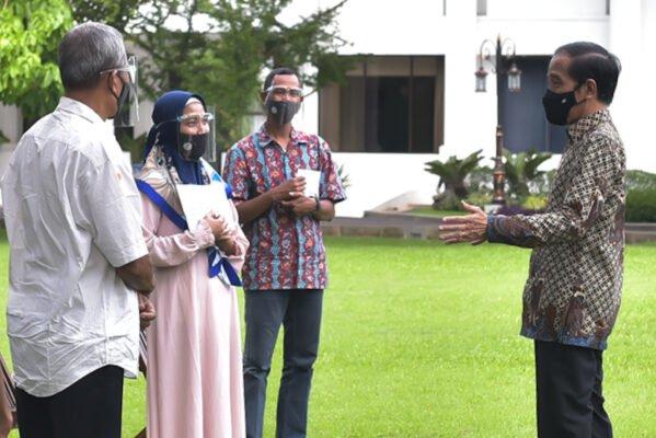 Presiden Jokowi Ajak Pelaku Usaha Mikro Kecil Jualan Secara Online 111