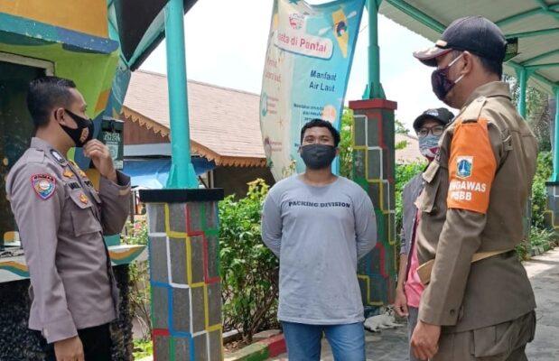 Cegah Penyebaran Covid-19, Polsek Kep Seribu Selatan Gencar Imbau Warga Dan Wisatawan Terapkan Prokes 114