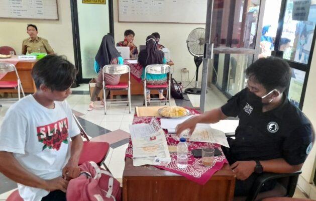 Bersama Tim Terpadu, Polres Kep Seribu Lakukan Pelayanan SKCK Jemput Bola 114