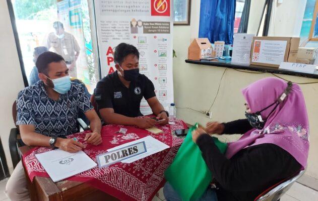 Bersama Tim Terpadu, Polres Kep Seribu Lakukan Pelayanan SKCK Jemput Bola 113
