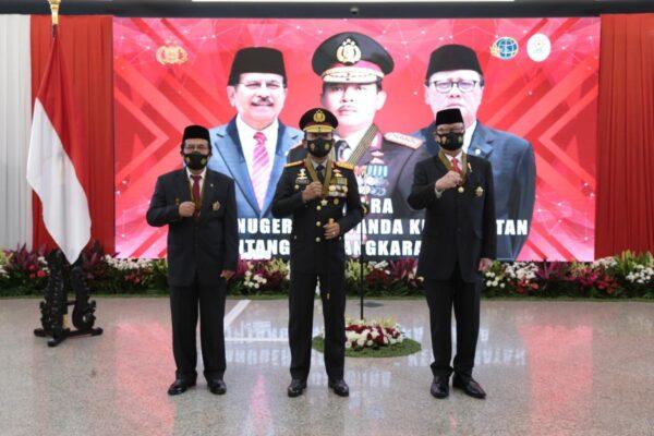 Kapolri Berikan Bintang Bhayangkara Utamakepada Menpan RB dan Menteri ATR/BPN 113