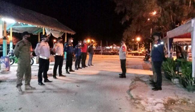 Bersama Instansi Terkait, Polsek Kep Seribu Selatan Giat Patroli Malam Hari dan Bubarkan Kerumunan 113