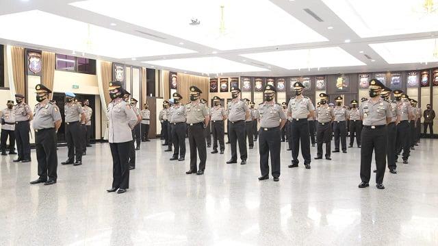 Kapolri Pimpin Kenaikan Pangkat 46 Pati Polri 114
