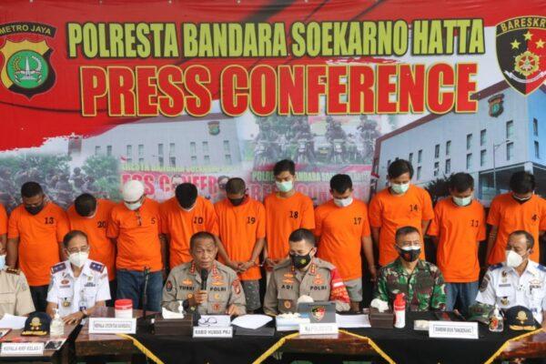 Polresta Bandara Soetta Tangkap 15 Pemalsu Surat Kesehatan Covid-19 111