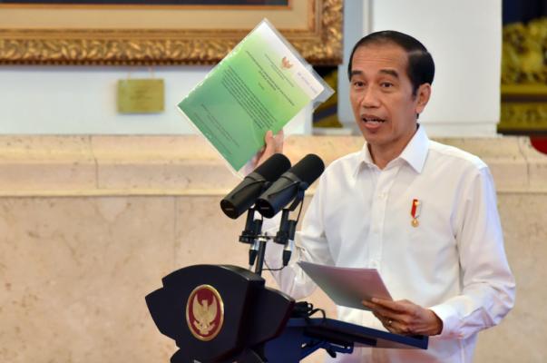 Presiden Jokowi Serahkan 2.929 SK Perhutanan Sosial se-Indonesia 111