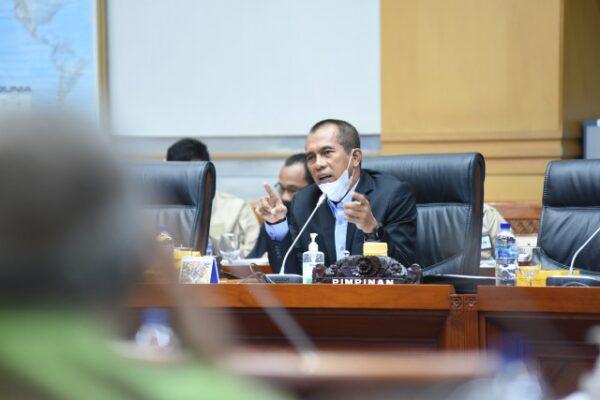 Komisi I Minta Pemerintah Lindungi Data Masyarakat Terkait Aturan Baru WA 113