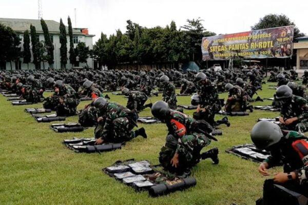 Latihan Gelar Perlengkapan Batalyon Armed 6 Divif 3 Kostrad 113