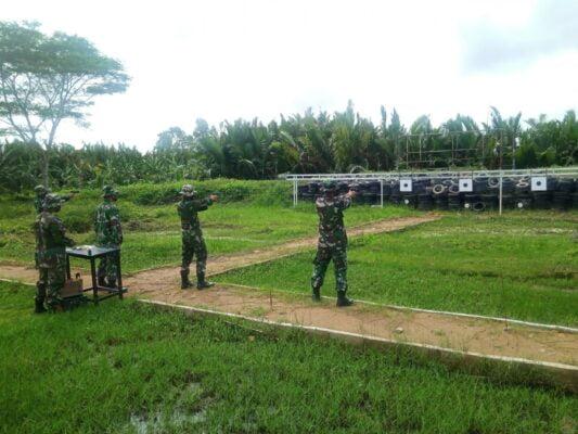 Pertajam Akurasi, Yonmarhanlan XII Gelar Latihan Menembak 113