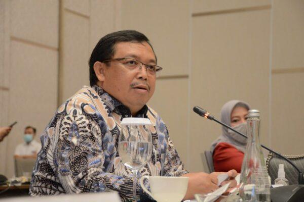 Komisi VI Minta Pemerintah Rawat BUMN Terdampak Pandemi 113