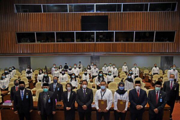 Lembaga Pemerintah Selalu Dituntut Tingkatkan Kinerja 113