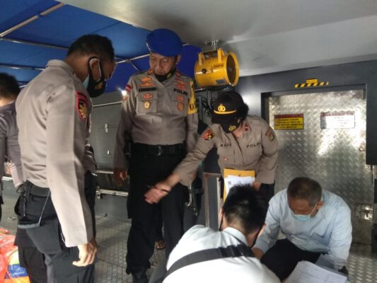 Polair Polres Kep Seribu  Terima Bantuan Kapal Patroli Dari Slog Mabes Polri 114