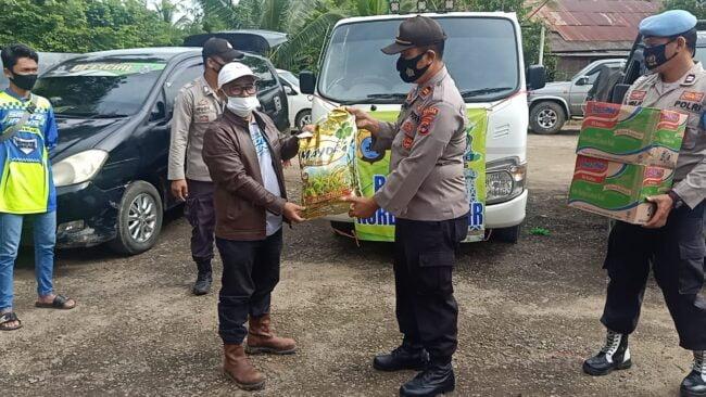 Penyerahan Bantuan Sekaligus Pemberangkatan Tim Relawan Korban Banjir Kab. Hulu Sungai Tengah Oleh Kapolsek Murung Pudak 116
