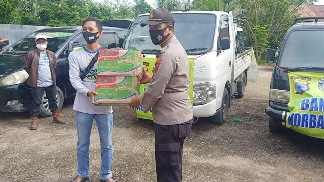 Penyerahan Bantuan Sekaligus Pemberangkatan Tim Relawan Korban Banjir Kab. Hulu Sungai Tengah Oleh Kapolsek Murung Pudak 114