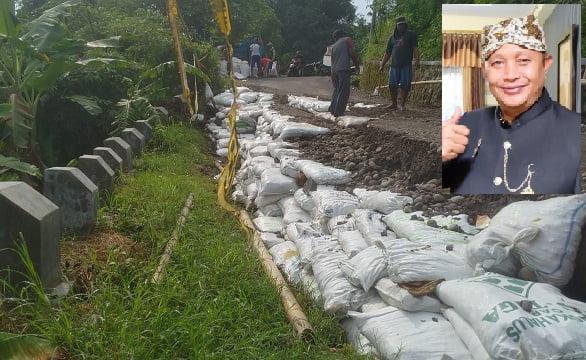 Jalan Penghubung Desa Sukadana Kembali Amblas, Warga: Dinas PU Cicing Bae 111