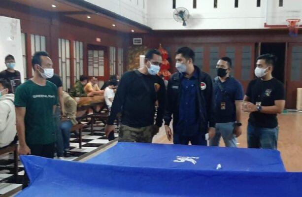 Operasi PPKM Tempat Hiburan Malam, Karaoke Kutabek Di Segel Langgar Ketentuan Jam Buka 113