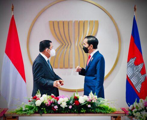 Tingkatkan Kerja Sama, Presiden Jokowi dan PM Hun Sen Gelar Pertemuan Bilateral 113