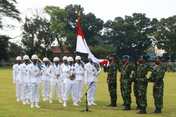 Dankodiklatau Lantik 376 Bintara TNI AU A-46 113
