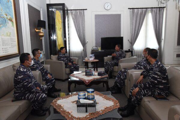 Gubernur AAL Terima Kunjungan Kerja Kadissenlekal 113