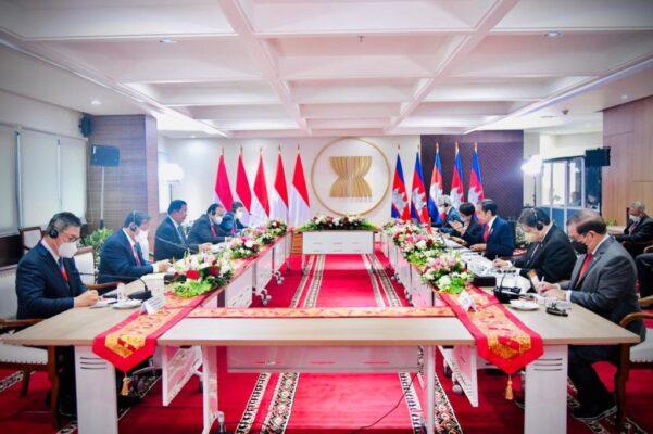 Tingkatkan Kerja Sama, Presiden Jokowi dan PM Hun Sen Gelar Pertemuan Bilateral 114