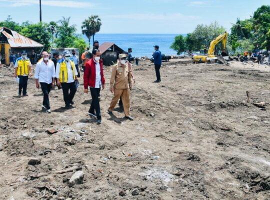 Tinjau Penanganan Bencana di Lembata, Presiden Pastikan Kebutuhan para Pengungsi Tercukupi 113