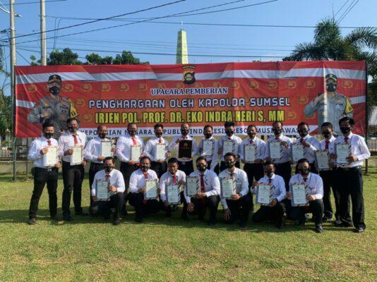 Anggota Satreskrim Polres Musi Rawas Terima Penghargaan Dari Kapolda Sumsel 113