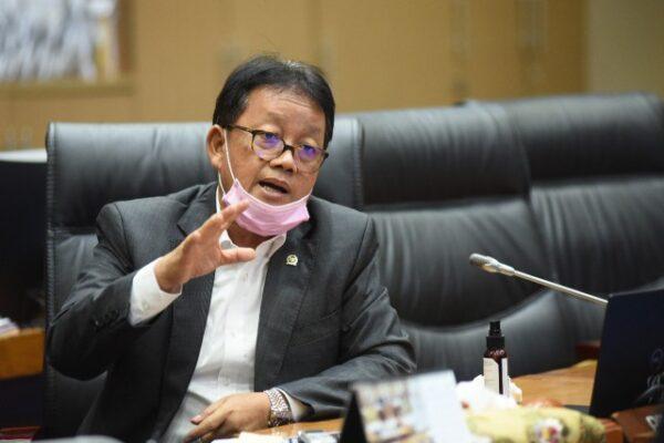 Komisi VII Dorong ITI Bermitra dengan Industri Nasional 113
