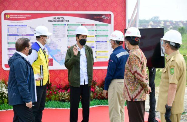 Presiden Jokowi Tinjau Pembangunan Jalan Tol Pekanbaru – Bangkinang 113