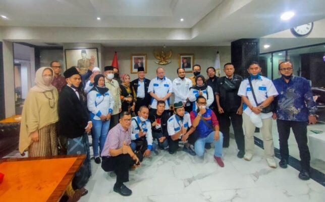 Bertemu Silahturahmi dengan PPWI, Ketua DPD-RI La Nyalla Mattalitti Ceritakan Pengalaman Hidupnya 113