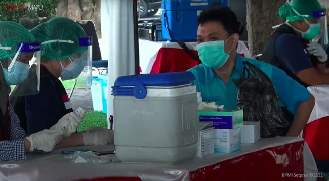 Presiden Jokowi Dorong DKI Jakarta Lakukan 100 Ribu Vaksinasi Per Hari 113
