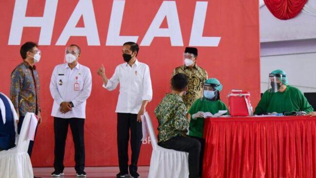 Presiden Jokowi Targetkan Satu Juta Vaksinasi Per Hari pada Juli Mendatang 113