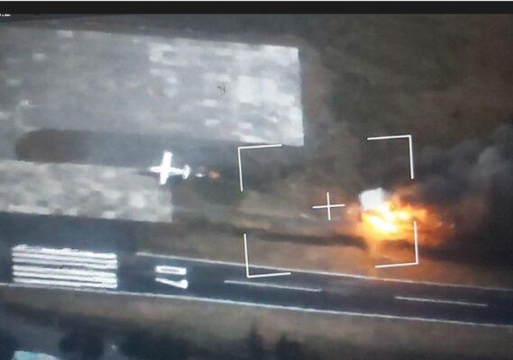 TNI-Polri Terus Buru Kelompok Teroris Penyerang Bandara Ilaga Papua 113