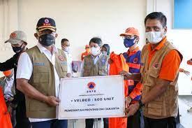 Dukung Fasilitas Isolasi, Kepala BNPB Kunjungi dan Bantu 500 Velbed Rusun Nagrak Cilincing 113
