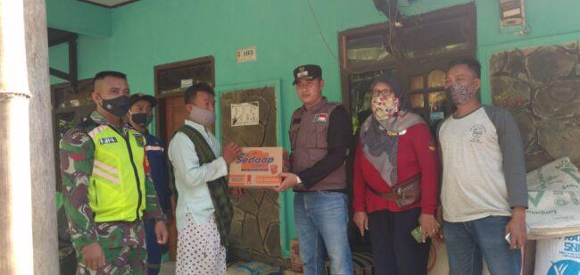Duka di Hari Raya Qurban, Jago Merah Ludeskan Rumah Warga Miskin Desa Cicapar 114