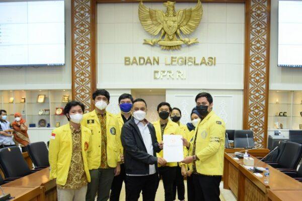 Wakil Ketua Baleg Serap Aspirasi Mahasiswa Mengenai RUU PPRT 113