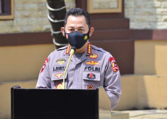 Kapolri Bersama Panglima TNI Pantau Vaksinasi di Kampus Unisa Yogya 113